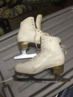 Peer of woman's high-quality figure skates size 245 c