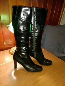 Super Sexxxy black knee high boots for sale!