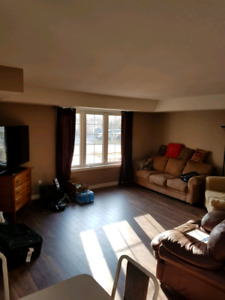 LISTOWEL. Looking for a roommate $600 all inclusive.