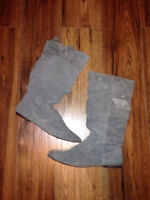 ****SUEDE BOOTS