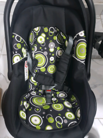 Pram 3 in 1 travel system (seat, cot and pushchair)