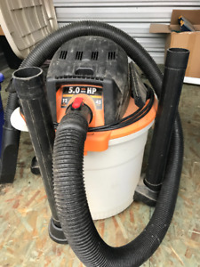 12 Gal. 5.0-Peak HP Wet/Dry Vacuum - Great shape!