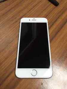 iPhone 6 64gb- Silver and UNLOCKED Cornwall Ontario image 1