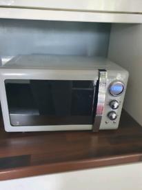 Swan retro microwave grey