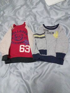Sweaters size 2 - 3 T