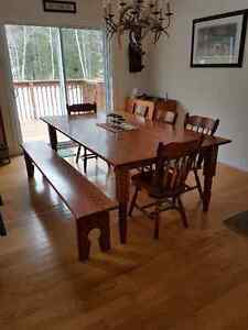 Oak table, 8 chairs and bench