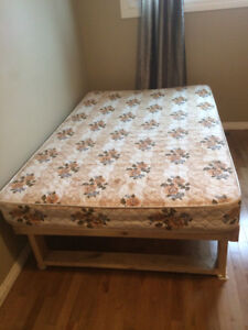 Close to U of S two rooms available now