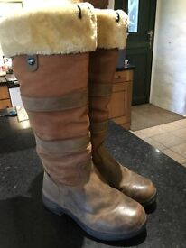 Dublin fur lined boots size 5
