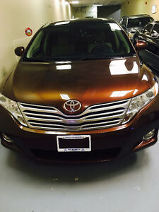 2010 Toyota Venza SUV, Crossover. BLUETOOTH and PREMIUM PACKAGE