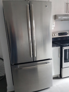 Frigidaire General Electric neuf en stainless