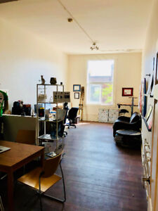 Awesome Office - Downtown - All inclusive - Includes Internet
