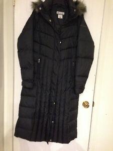 Manteau d'hiver  long pour femme en duvet de marque Columbia,