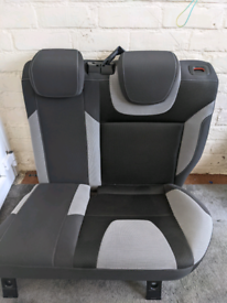 2014 Ford Focus Front and Rear seats