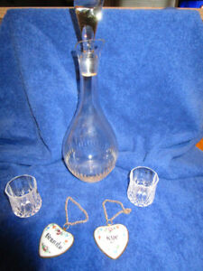 VINTAGE LIQUOR DECANTER & HAND PAINTED DECANTER TAGS & 2 GLASSES