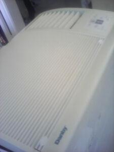 Danby 10000 btu air conditioner / air conditionné, Air climatisé