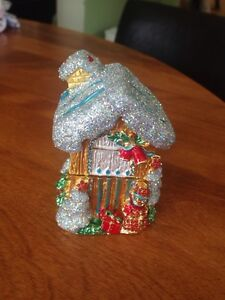 Beautiful little Christmas house with storage