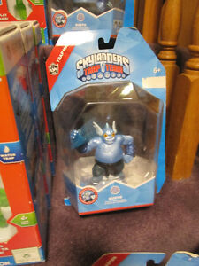 Skylanders Trap Team Starter Kits for PS4, XBox 360 and XBox One Kitchener / Waterloo Kitchener Area image 8