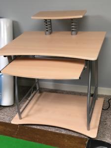 desk - excellent condition