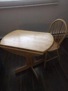 table ronde Saint-Hyacinthe Québec image 1