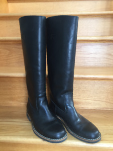ROOTS Equestrian Black Leather Boots Size 9.5