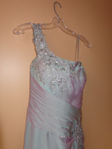 MOTHER OF THE BRIDE GOWNS --3 - EXQUISITE