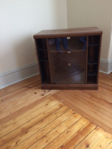 Wooden TV Stand with glass closing doors