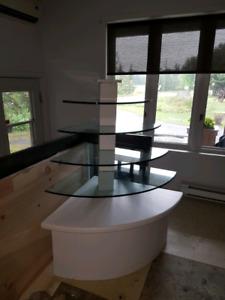 Présentoir meuble en coins bois et vitre