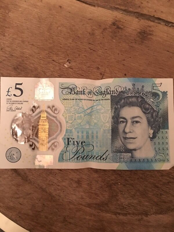 AA14 £5 note