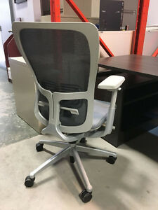 Haworth Zody - Very - Office Chairs - Starting at $400.00 Peterborough Peterborough Area image 2