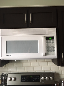 Magic Chef Over the Stove Microwave