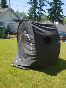 Pop up fishing tent