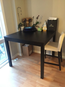 Dining Table and 1 dining room chair