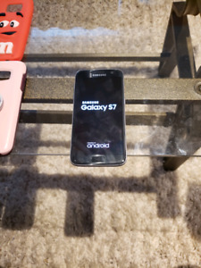 Samsung Galaxy S7 and cases