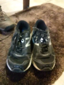 Boot and shoes for sale size 11 new balance