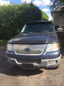 2003 Ford Expedition Seats 8!
