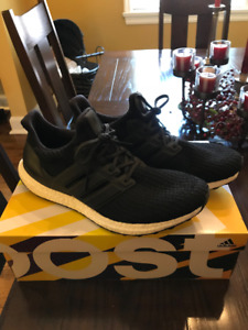 Men's Adidas Ultraboost Running Shoes Size 12 - Lightly Worn