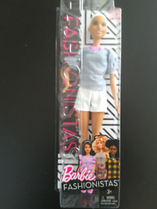 Barbie Fashionistas Doll 39 Chic in Chambray BNIB