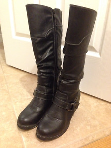 Black size 9 wedge heel boots with buckle detail