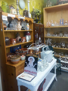 TINA'S TREASURES ANTIQUES & COLLECTIBLES MOUNT BRYDGES, ONTARIO London Ontario image 4
