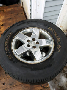 4 18 inch dodge rims wth or without tires
