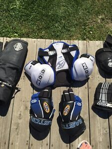 Asst junior hockey equipment Kawartha Lakes Peterborough Area image 4