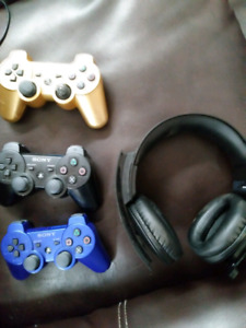 Trade 2 ps 3s woth games and extra controllers for ps4