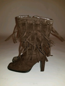 Ladies brown suede tassel boots size 7