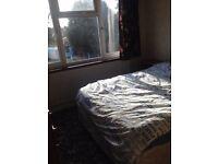 Double room to rent in morden-£125 including Bills