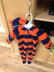 Old navy 3-6 month fall coat/ suit Cornwall Ontario image 1