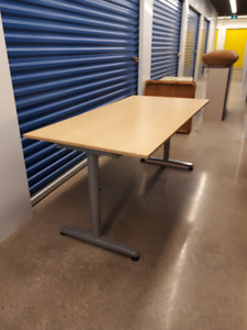 modern desk adjustable height