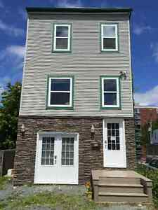 HALIFAX CENTRAL 3 LEVEL SINGLE FAMILY