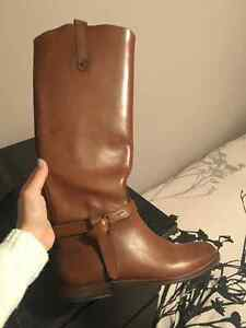 *size 6* Brown Leather boots - massimo dutti bought in Europe