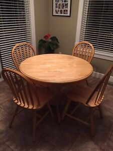 Solid wood table w/ 4 chairs