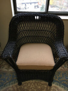 Beautiful Antique Natural Wicker Set